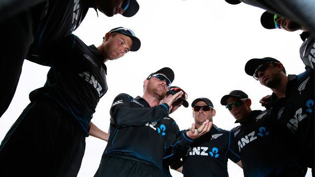 black-caps-huddle-2015-ps